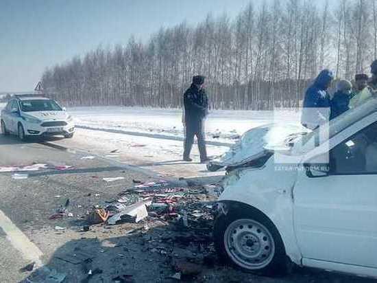 Четыре человека погибли в столкновении двух авто на трассе в Рыбно-Слободском районе  РТ