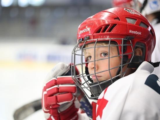 Академию хоккея имени Валерия Харламова открыли в Петербурге