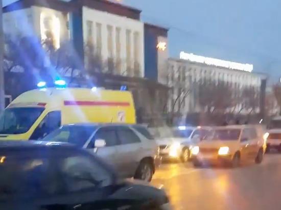 В Улан-Удэ около железнодорожного вокзала «Лексус» насмерть сбил двух подростков