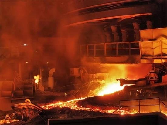 На НТМК погиб машинист загоревшегося крана