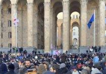 В Тбилиси утром 23 февраля задержали председателя оппозиционной партии «Единое национальное движение» (ЕНД) Никанора (Нику) Мелия