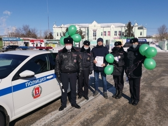 В День защитника Отечества по Камышину прошел «Праздничный патруль»