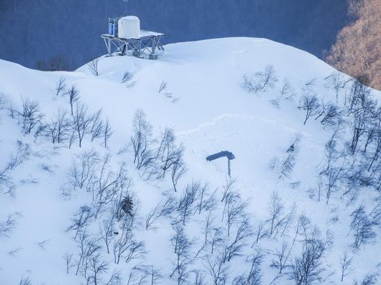 Снежная угроза: Как борются с лавинами в горах Сочи