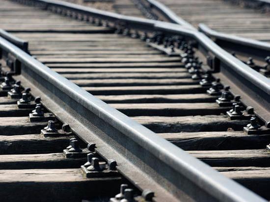 На Дону мужчина погиб под колесами поезда