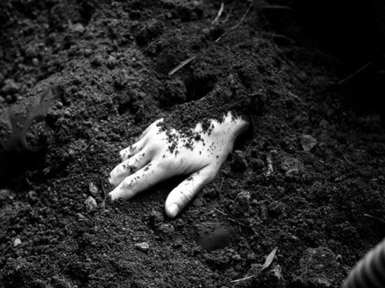 В Ростовской области мужчина убил знакомого и закопал его тело у себя на участке
