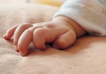 В Кирове случайные прохожие спасли найденного в сугробе новорожденного ребенка