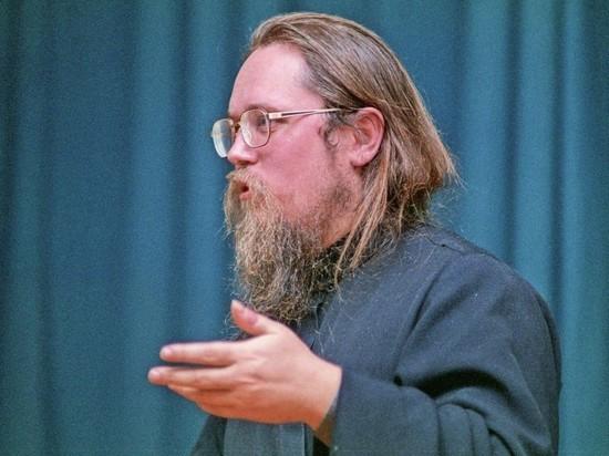 Владимир Познер вновь обрушился с критикой на православие, назвав его худшим ответвлением христианства