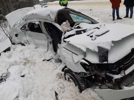 Появилось видео с места страшной аварии в Тверской области