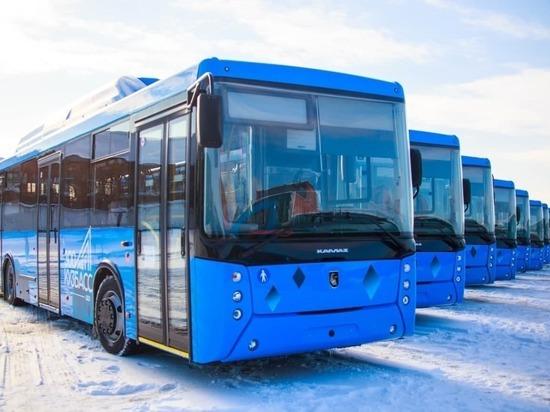 Четыре кузбасских города получили новые автобусы