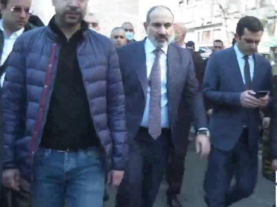 Пашинян отказался бежать из Армении