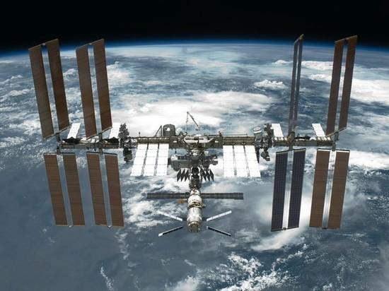 Космонавты поставили заплатку на третью трещину на МКС