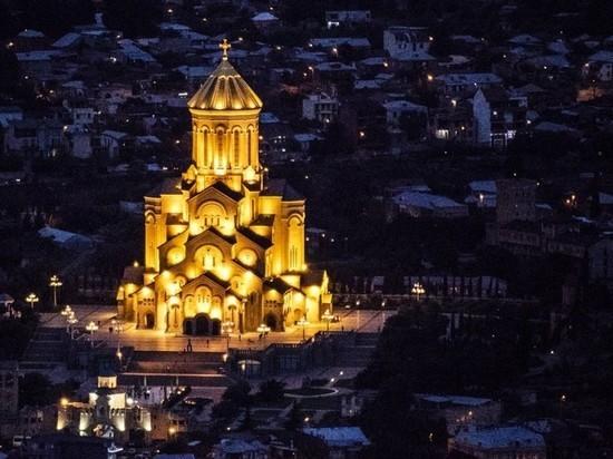 Россияне бросились скупать билеты в Грузию накануне открытия границ
