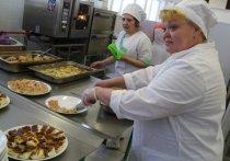 Облправительство спланировало субсидию на питание в омских школах на три года вперёд