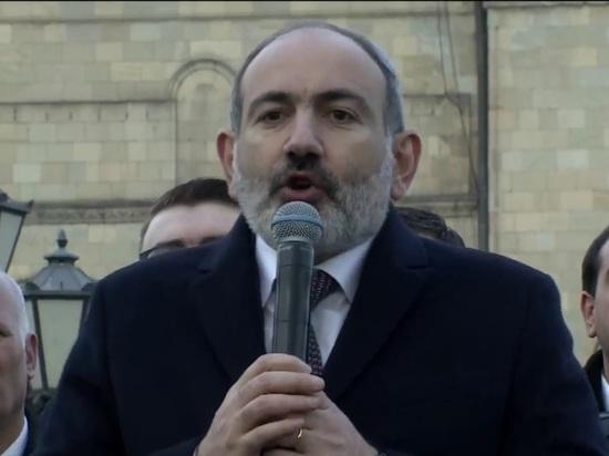 Офицеры полиции Армении отказались подчиняться Пашиняну