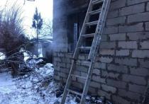 Выпавший уголек из печки-буржуйки, предположительно, стал причиной пожара в подмосковном Ногинске, где погибла 12-летняя девочка