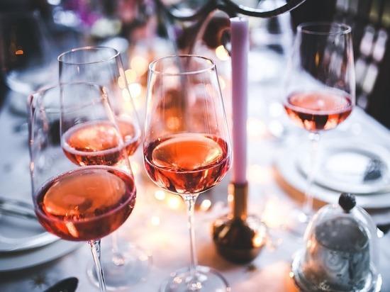 Названы профессии, представители которых пьют больше всех: исследование провели британские ученые