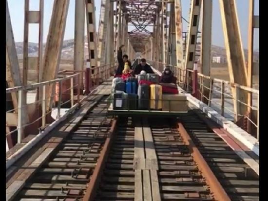 В Россию из Северной Кореи вернулись восемь сотрудников российского Посольства в Пхеньяне