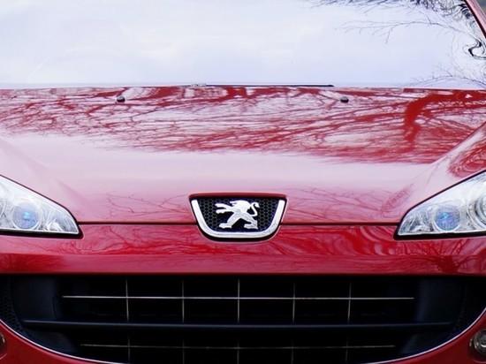 Французский автопроизводитель Peugeot объявил о создании нового логотипа, который в скором времени будет украшать автомобили концерна