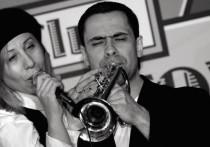 """Как сообщает Mash, вечером 25 февраля в Москве был избит неизвестными музыканта групп """"Машина времени"""" и""""Квартал"""" Александр Дитковский"""