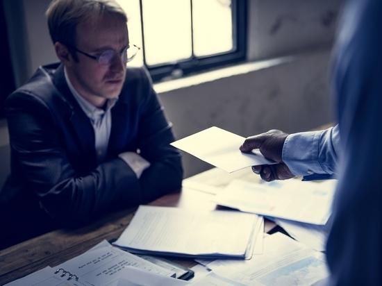 Директор Центра исследования финансовых технологий и цифровой экономики СКОЛКОВО-РЭШ Олег Шибанов заявил прессе, что безработица в России вернется на допандемический уровень в 2022 году