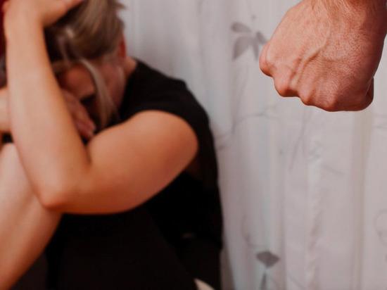 Житель Черногорска забил до смерти сожительницу, застав её с другим