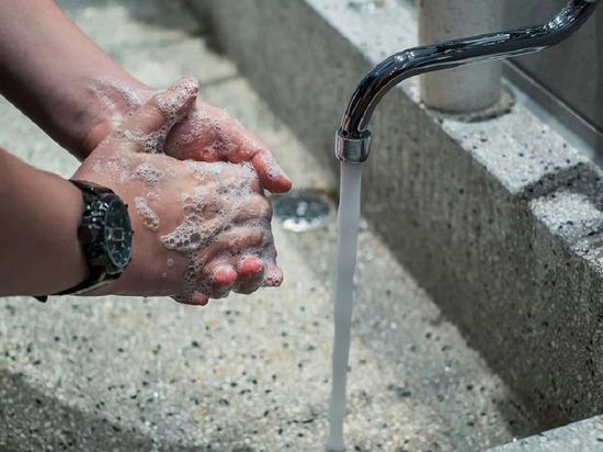 В дагестанском Каспийске насчитали 33 отравившихся питьевой водой
