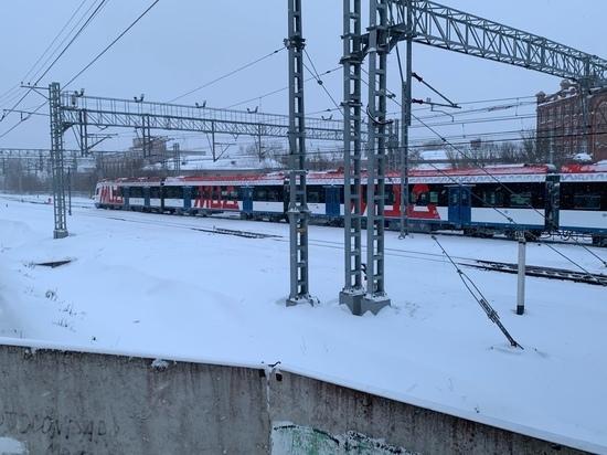 Электрички из Твери в Москву идут с отставанием от графика