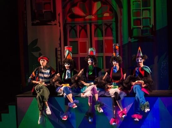 В Новом театре Сочи прошла премьера спектакля «Любовь к трём апельсинам»