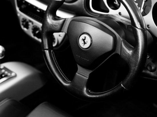 В Удмуртии проверят факт закупки авто за 2,2 млн рублей муниципальными властями