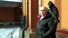 Экс-глава МВД Ингушетии разулыбался при задержании: оперативная съемка