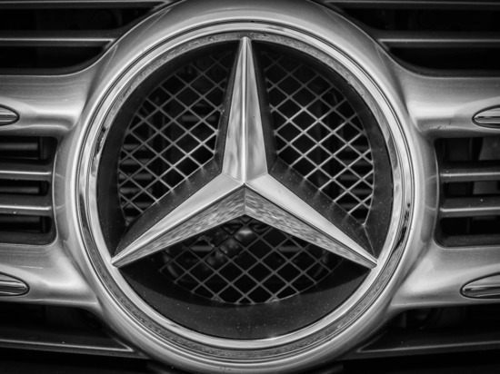 Против барнаульского лихача на Mercedes-Benz возбуждено административное дело