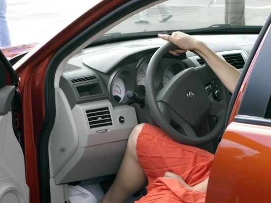 В 2020 году российские мужчины-автомобилисты получили в 2,7 раза больше штрафов за нарушение ПДД, чем автоледи