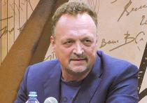 Известного телеведущего и спортивного комментатора Виктора Гусева вызвали на допрос в правоохранительные органы
