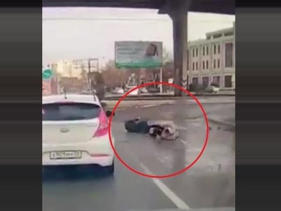 В Астрахани правоохранители разбираются в обстоятельствах ДТП, в результате которого пострадали двое пешеходов и водитель легковушки