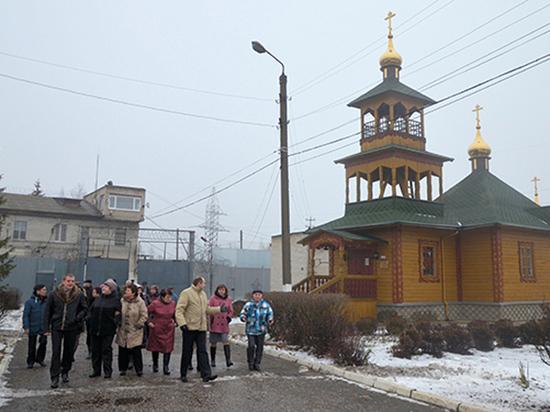 «Младшая сестра» знаменитого своей суровостью «Владимирского централа» — так называют колонию в городе Покров Владимирской области, куда этапировали Алексея Навального