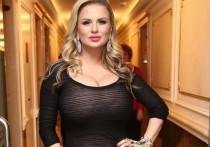 Певица Анна Семенович возмущена высказываниями футболиста Владимира Быстрова, который высмеял ее уход из спорта два десятка лет назад