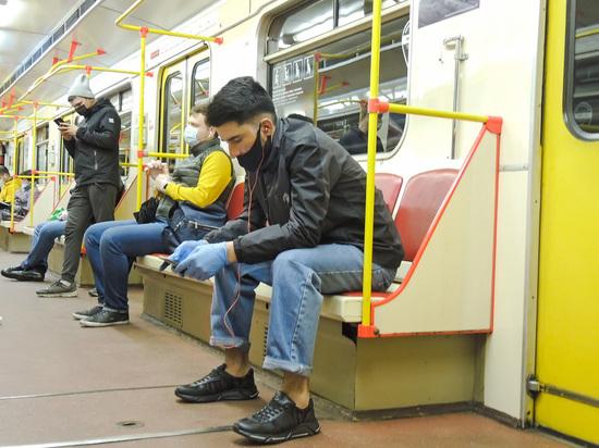 В московском метро остановили движение на участке фиолетовой ветки