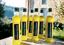 Не успело правительство разобраться с подорожанием подсолнечного масла, как потребительский рынок ошарашили новым известием: поставщики оливкового масла предупредили о вынужденном повышении цен на 15%