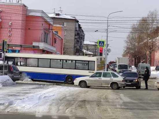 Барнаул оказался одним из самых аварийных городов России