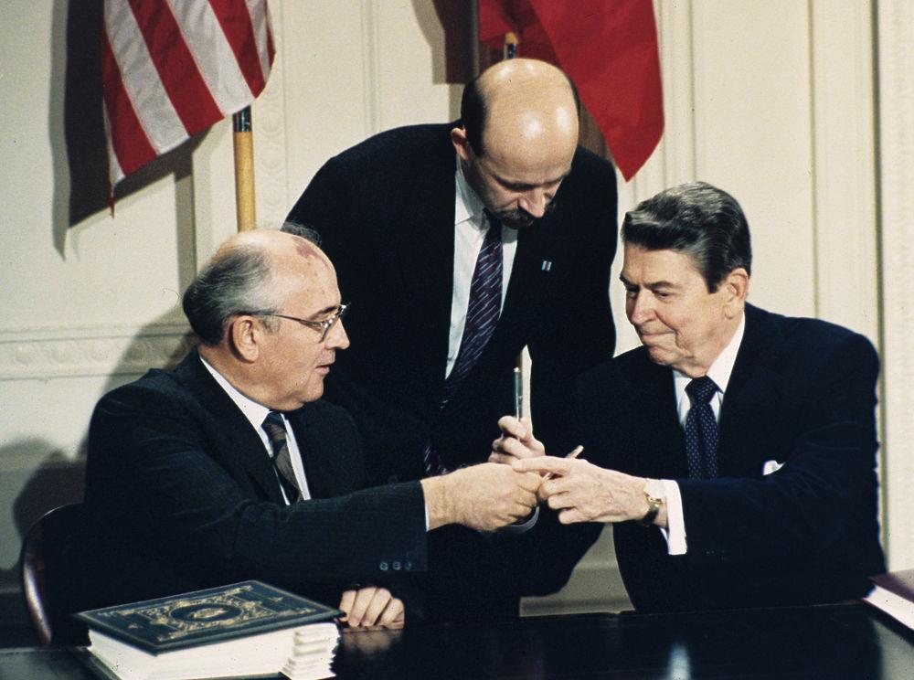 Михаилу Горбачеву - 90: редкие кадры и архивные фото экс-президента СССР