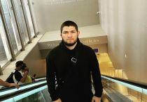 Чемпион UFC в легком весе Хабиб Нурмагомедов дал интервью арабскому Esquire, где рассказал о том, что ему помогло справиться со смертью отца, а также заявил, что чувствует себя прекрасно без спорта. «МК-Спорт» приводит самые интересные места из интервью дагестанского бойца.