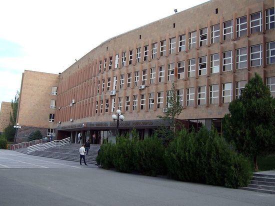 Москва отказалась от поддержки университета