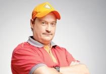 Денис Юченков вырос в семье, где его окружали народные актеры и актрисы