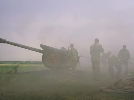Военные ДНР получили приказ на открытие упреждающего огня на подавление огневых точек украинской армии, сообщили в пресс-службе Народной милиции республики