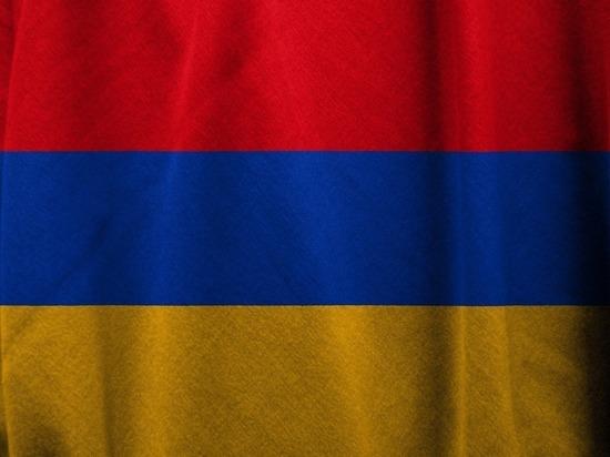В Ереване началась встреча лидеров оппозиции с президентом