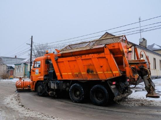 На волгоградские автодороги высыпали 1,6 тысячи тонн реагентов