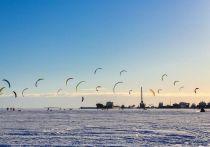 На набережной Петрозаводска стартовал кайт-марафон ТОКЕ-2021