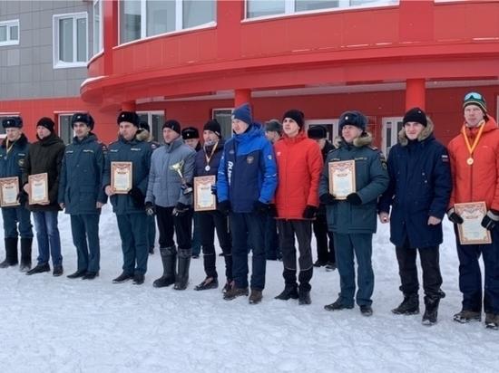В Чебоксарах состоялись соревнования спасателей по лыжным гонкам