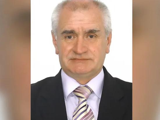 Владимир Матвеев, в частности, отрицает Холокост