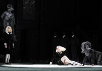 В Большом состоялась ожидаемая премьера — впервые за 100 лет здесь поставлена «Саломея», великая, скандальная, шокирующая опера Рихарда Штрауса в постановке музыкального руководителя театра Тугана Сохиева, немецкого режиссера Клауса Гута и его многолетнего соавтора художника Этьена Плюсса